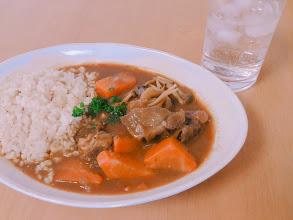 クックフォーミーで作るビーフカレーは、塊肉がジューシー&野菜が超甘い。知るまで人生損してました